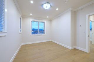 Photo 2: 2876 CLARKE Street in Vancouver: Renfrew Heights 1/2 Duplex for sale (Vancouver East)  : MLS®# R2377167