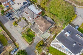 Photo 3: 15643 MOFFAT Lane: White Rock House for sale (South Surrey White Rock)  : MLS®# R2541627