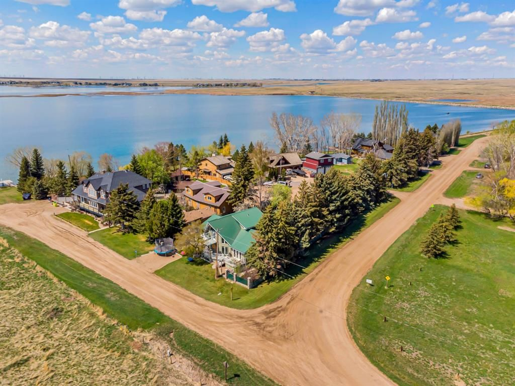 Main Photo: 144078 Township Road 180 in Rural Newell, County of: Rural Newell County Detached for sale : MLS®# A1109514