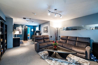 Photo 13: 742 Wellington Drive in North Vancouver: Lynn Valley House for sale : MLS®# R2143780