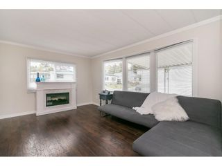 """Photo 10: 251 1840 160 Street in Surrey: King George Corridor Manufactured Home for sale in """"BREAKAWAY BAYS"""" (South Surrey White Rock)  : MLS®# R2574472"""