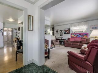 Photo 2: 2253 E 35TH AV in Vancouver: Victoria VE House for sale (Vancouver East)  : MLS®# V1132714