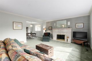 Photo 3: 2730 WALPOLE CRESCENT in North Vancouver: Blueridge NV House for sale : MLS®# R2445064