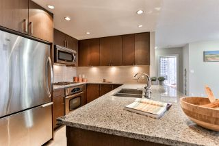 """Photo 7: 1605 2978 GLEN Drive in Coquitlam: North Coquitlam Condo for sale in """"Grand Central One"""" : MLS®# R2534057"""