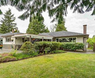 Photo 2: 946 CAITHNESS Crescent in Port Moody: Glenayre House for sale : MLS®# R2580663