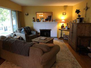 "Photo 2: 11520 75A Avenue in Delta: Scottsdale House for sale in ""Scottsdale"" (N. Delta)  : MLS®# R2542624"