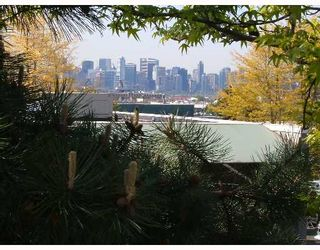 """Photo 10: 308 809 W 16TH Street in North_Vancouver: Hamilton Condo for sale in """"PANORAMA COURT"""" (North Vancouver)  : MLS®# V646950"""