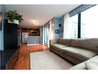 """Photo 3: 3007 939 HOMER Street in Vancouver: Downtown VW Condo for sale in """"THE PINNACLE"""" (Vancouver West)  : MLS®# V873938"""