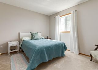 Photo 25: 126 Strathridge Close SW in Calgary: Strathcona Park Detached for sale : MLS®# A1123630