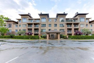 """Photo 2: 110 2558 PARKVIEW Lane in Port Coquitlam: Central Pt Coquitlam Condo for sale in """"THE CRESCENT"""" : MLS®# R2578828"""