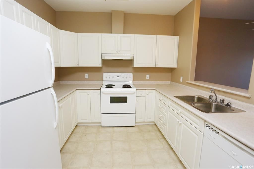 Photo 3: Photos: 204 302 Nelson Road in Saskatoon: University Heights Residential for sale : MLS®# SK800364