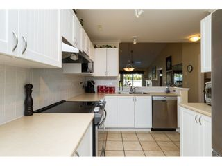 """Photo 5: 26 17516 4TH Avenue in Surrey: Pacific Douglas Townhouse for sale in """"Douglas Point"""" (South Surrey White Rock)  : MLS®# R2129004"""