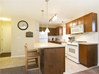 """Photo 3: 313 7000 21ST Avenue in Burnaby: Highgate Townhouse for sale in """"VILLETTA"""" (Burnaby South)  : MLS®# V1026981"""