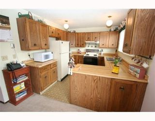 Photo 3:  in CALGARY: Whitehorn Residential Detached Single Family for sale (Calgary)  : MLS®# C3262057