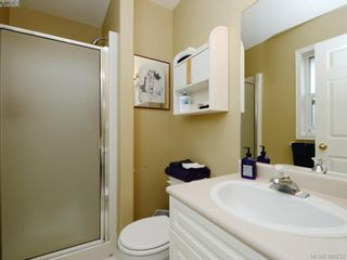 Photo 13: 4001 Santa Rosa Pl in VICTORIA: SW Strawberry Vale House for sale (Saanich West)  : MLS®# 780186