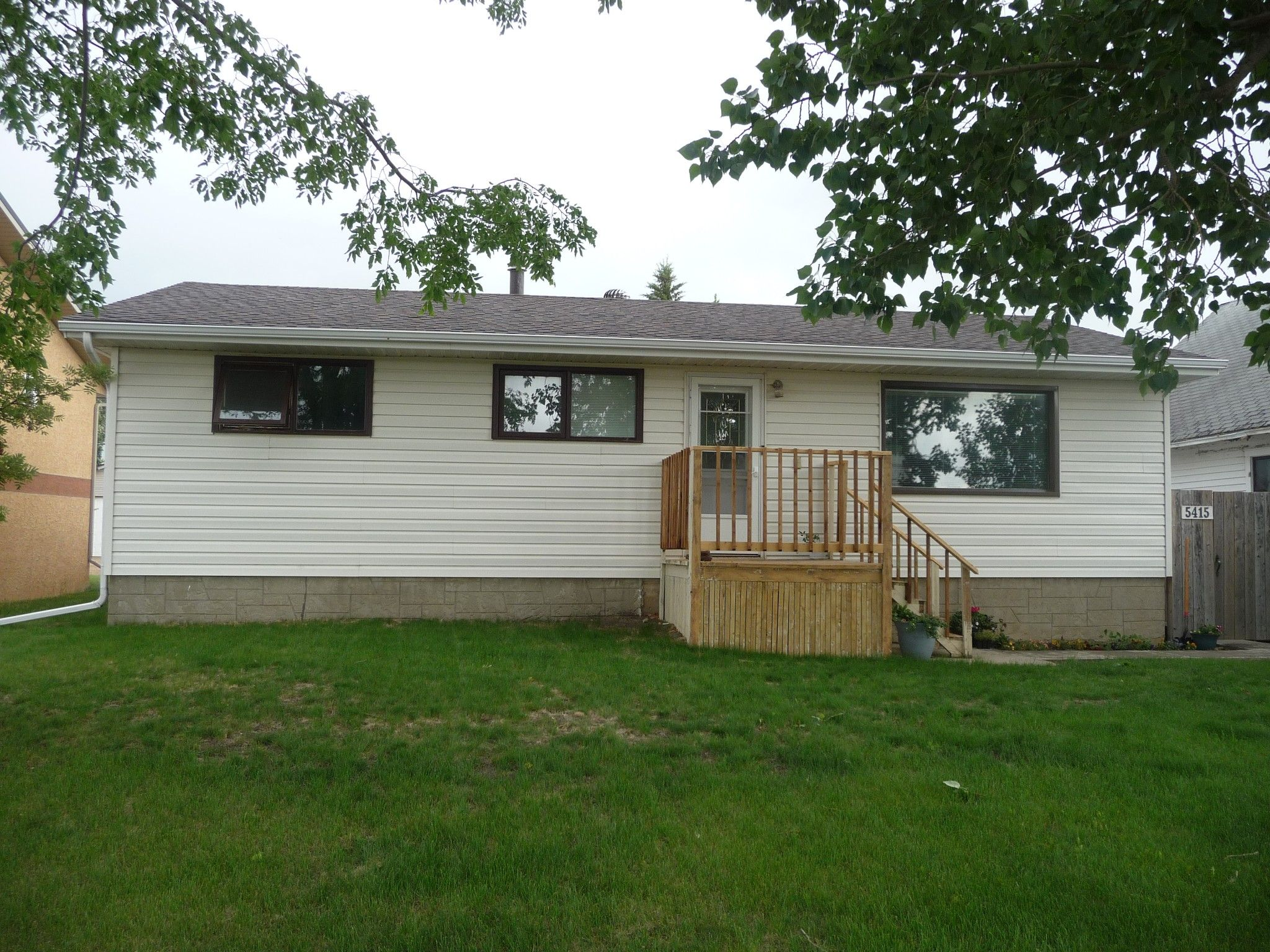 Main Photo: 5415 in Viking: House for sale