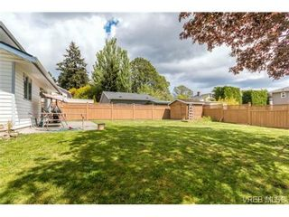 Photo 16: 1300 Layritz Pl in VICTORIA: SW Layritz House for sale (Saanich West)  : MLS®# 700701
