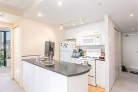 Photo 13: 1709 1331 W GEORGIA Street in Vancouver: Coal Harbour Condo for sale (Vancouver West)  : MLS®# R2156503