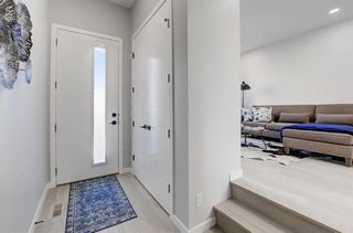 Photo 3: 2119 12 Street NW in Calgary: Capitol Hill Row/Townhouse for sale : MLS®# A1056315