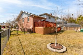 Photo 10: 923 Cresthill Court: Oshawa Freehold for sale (Durham)