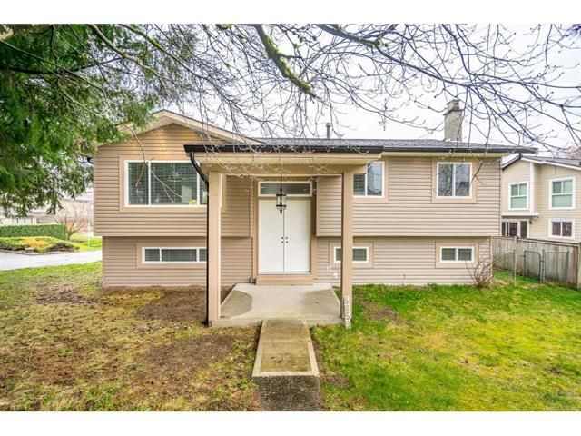 Main Photo: 5059 199A Street in Langley: Langley City House for sale : MLS®# R2443333
