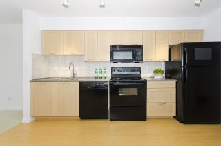 "Photo 5: 314 1503 W 65TH Avenue in Vancouver: S.W. Marine Condo for sale in ""The Soho"" (Vancouver West)  : MLS®# R2203348"