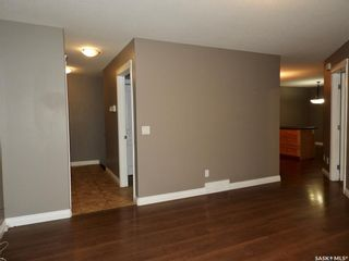 Photo 3: 455 Brooklyn Crescent in Warman: Residential for sale : MLS®# SK859831