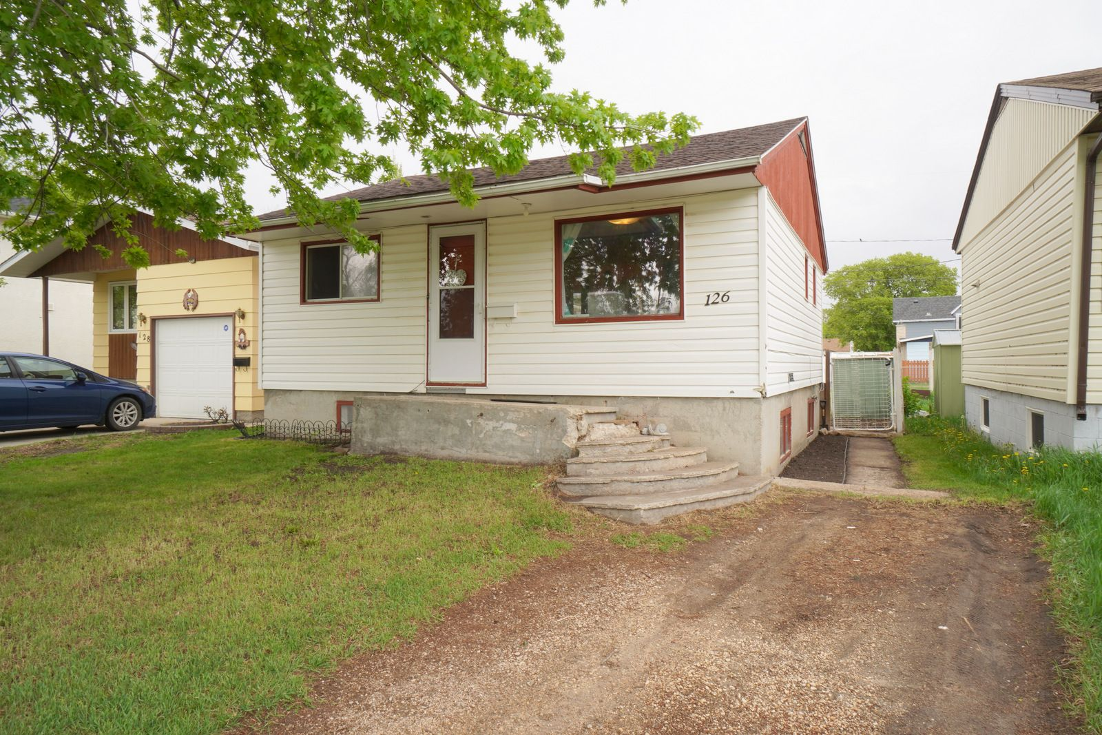 Main Photo: 126 12th Street NW in Portage la Prairie: House for sale : MLS®# 202112386