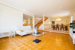 Photo 4: 7138 CLARENDON Street in Vancouver: Fraserview VE House for sale (Vancouver East)  : MLS®# R2567174