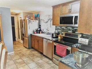 Photo 2: 8950 COLUMBIA Road in Prince George: Pineview Manufactured Home for sale (PG Rural South (Zone 78))  : MLS®# R2516403
