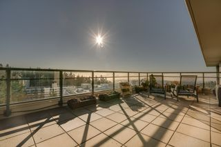 """Photo 34: 1102 14824 NORTH BLUFF Road: White Rock Condo for sale in """"BELAIRE"""" (South Surrey White Rock)  : MLS®# R2350476"""