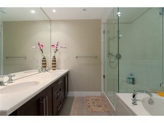 """Photo 8: 320 4685 VALLEY Drive in Vancouver: Quilchena Condo for sale in """"MARGUERITE HOUSE I"""" (Vancouver West)  : MLS®# V883578"""