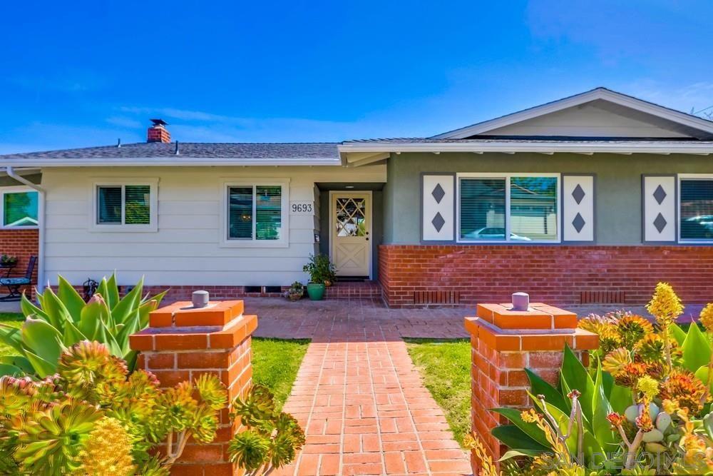 Main Photo: LA MESA House for sale : 4 bedrooms : 9693 Wayfarer Dr