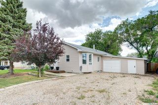 Photo 1: 214 2nd Street South in Martensville: Residential for sale : MLS®# SK869676