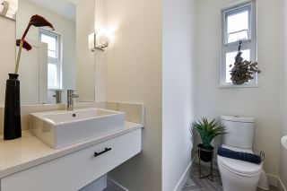 """Photo 4: 128 7947 209 Street in Langley: Willoughby Heights Townhouse for sale in """"Luxia"""" : MLS®# R2557223"""