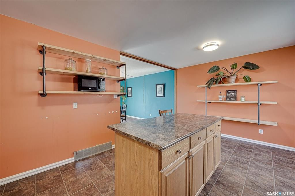 Photo 11: Photos: 105 2nd Street East in Langham: Residential for sale : MLS®# SK849707