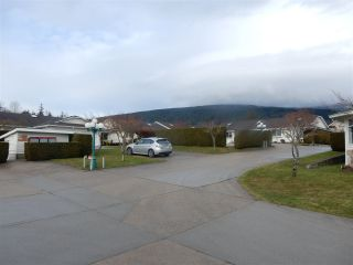 """Photo 17: 2 767 NORTH Road in Gibsons: Gibsons & Area Townhouse for sale in """"North Oaks"""" (Sunshine Coast)  : MLS®# R2133128"""