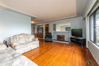 Photo 3: 7020 Kitchener St Burnaby, BC, V5A 1K9 in Burnaby: Sperling-Duthie House for sale (Burnaby East)  : MLS®# R2307486