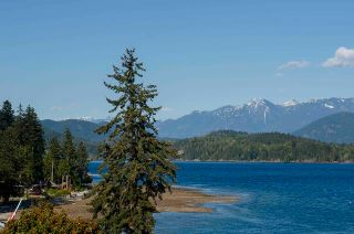 Photo 2: 1229 POINT Road in Gibsons: Gibsons & Area House for sale (Sunshine Coast)  : MLS®# R2572392