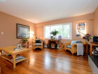Photo 3: 10194 Third St in SIDNEY: Si Sidney North-East House for sale (Sidney)  : MLS®# 797387