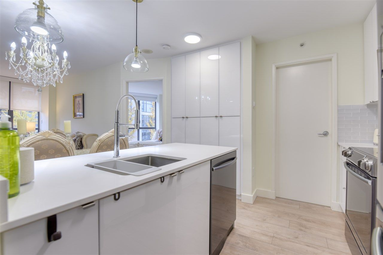 """Photo 12: Photos: 507 124 W 1ST Street in North Vancouver: Lower Lonsdale Condo for sale in """"THE """"Q"""""""" : MLS®# R2509553"""