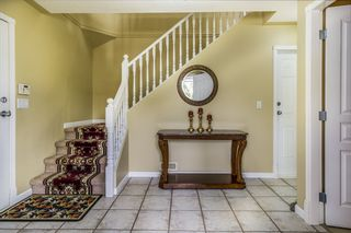 Photo 2: 30665 CRESTVIEW Avenue in Abbotsford: Abbotsford West House for sale : MLS®# R2387070