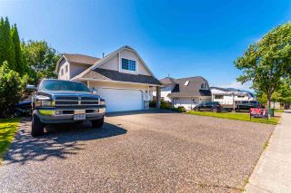 """Photo 3: 5530 HIGHROAD Crescent in Chilliwack: Promontory House for sale in """"PROMONTORY"""" (Sardis)  : MLS®# R2477701"""