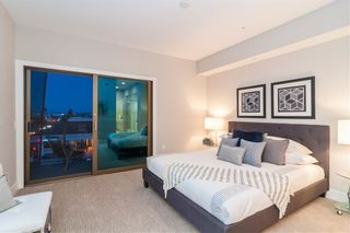 Photo 7: Condo for sale : 3 bedrooms : 3025 Byron St in San Diego