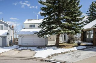 Main Photo: 220 Stravanan Bay SW in Calgary: Strathcona Park Detached for sale : MLS®# A1097927