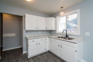 """Photo 13: 7585 LOYOLA Place in Prince George: Lower College 1/2 Duplex for sale in """"LOWER COLLEGE HEIGHTS"""" (PG City South (Zone 74))  : MLS®# R2423973"""