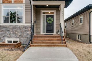 Photo 2: 630 17 Avenue NE in Calgary: Winston Heights/Mountview Semi Detached for sale : MLS®# A1079114