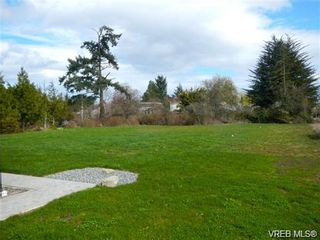 Photo 2: 9173 Basswood Rd in SIDNEY: NS Airport House for sale (North Saanich)  : MLS®# 682472