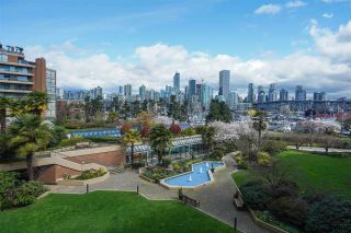 "Photo 11: 301 1470 PENNYFARTHING Drive in Vancouver: False Creek Condo for sale in ""Harbour Cove"" (Vancouver West)  : MLS®# R2563951"