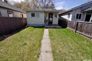 Photo 1: 1316 I Avenue North in Mayfair: Residential for sale : MLS®# SK854281